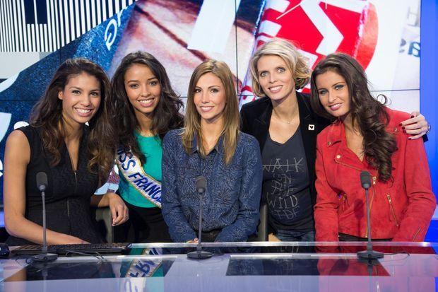 Chloe Mortaud (Miss France 2009), Flora Coquerel (Miss France 2014), Alexandra Rosenfeld (Miss France 2006), Sylvie Tellier et Malika Ménard (Miss France 2010).