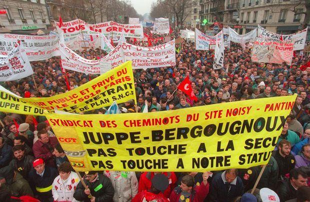 12 décembre 1995 : manifestation unitaire contre le plan Juppé, à Paris.