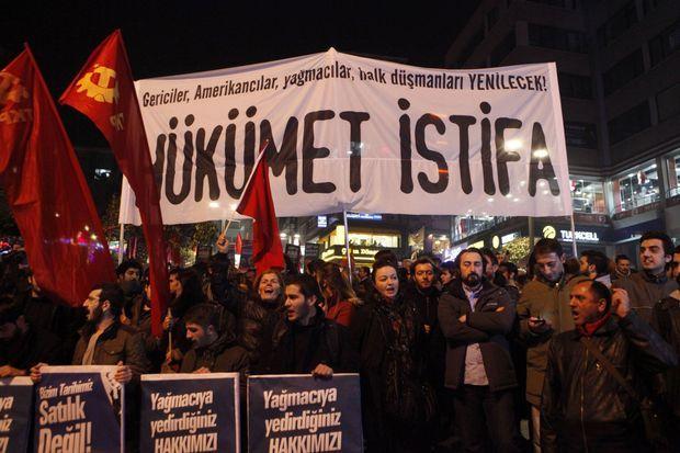 Les opposants demandaient mercredi soir la démission du gouvernement.