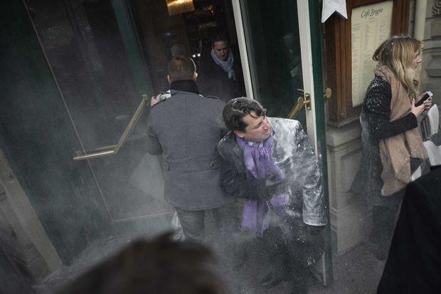Quelques secondes après l'attaque à la farine contre Manuel Valls à Strasbourg, le 22 décembre.