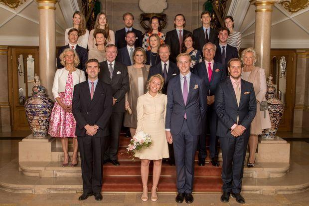 Photo officielle du mariage civil de la princesse Marie-Gabrielle de Nassau à Luxembourg, le 15 mai 2017