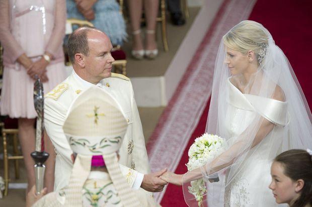 « Devant Dieu et devant les Hommes, ils sont enfin mari et femme. » - Paris Match n°3242, 4 juillet 2011