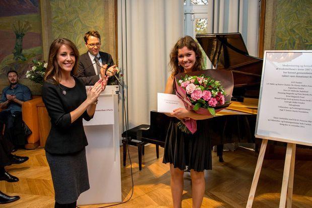 La princesse Marie avec la jeune pianiste Anna Maria Bundgard