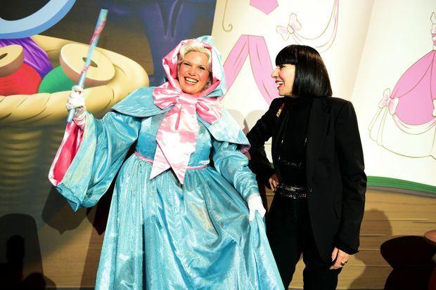 Marraine, la bonne fée de Cendrillon, et la créatrice Chantal Thomass !