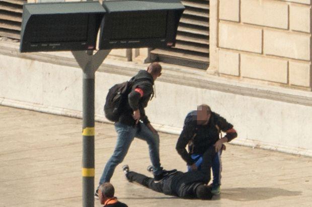 L'agresseur a été abattu par des militaires du dispositif Sentinelle.