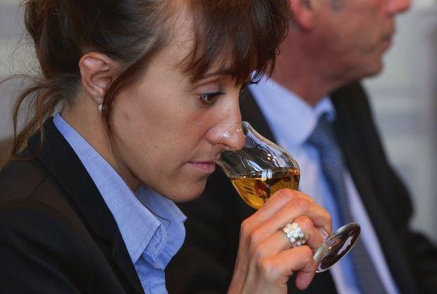 Mathilde Boisseau, en charge des exploitations viticoles, vient d'intégrer le comité de dégustation.