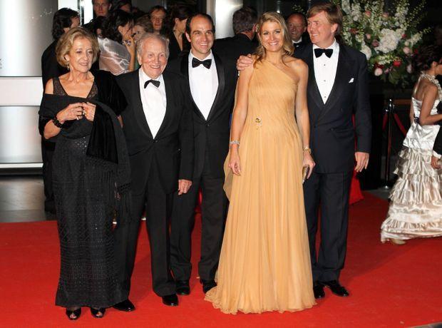 La reine Maxima des Pays-Bas avec son mari, ses parents et son frère Martin à Amsterdam le 27 mai 2011 pour son 40e anniversaire