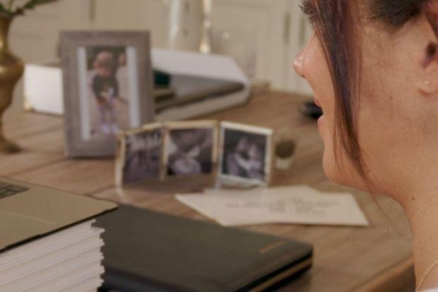 Meghan a subtilement dévoilé des photos de sa fille Lili dans sa vidéo d'anniversaire, en août 2021