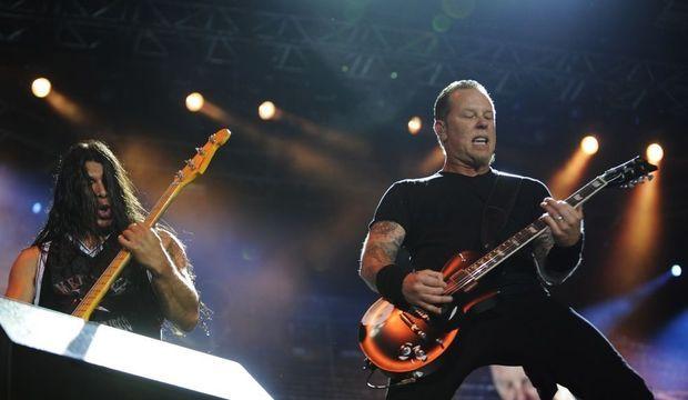 Metallica Robert Trujillo James Hetfield-