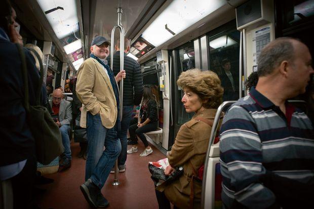Guy Savoy dans le métro parisien.