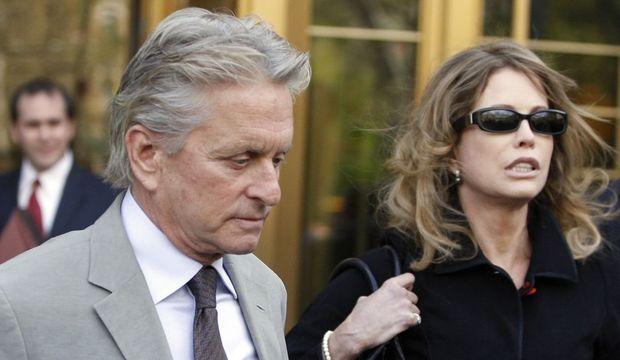 Michael et Diandra Douglas au procès de cameron-