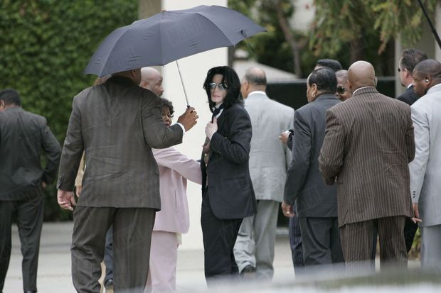 Michael Jackson, lors de son procès en juin 2005.