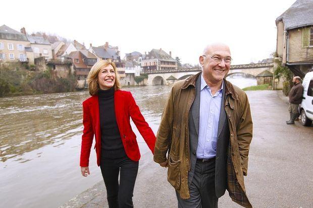 Avec son épouse, Valérie de Senneville, le long de la Creuse.