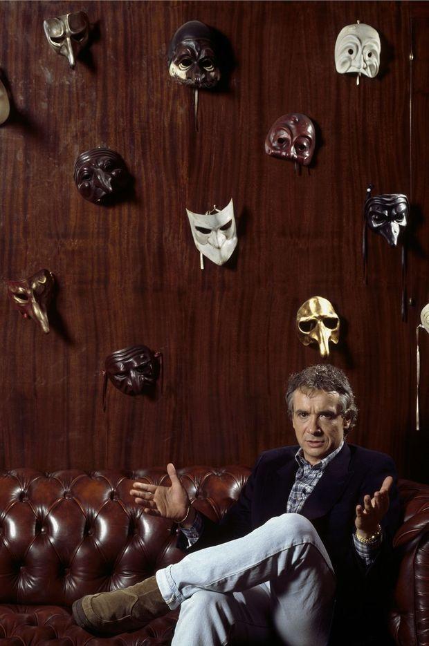 Michel Sardou chez lui en 1987.