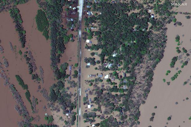 Vue satellite d'Isabella Street, à Midland, dans le Michigan, après l'inondation, mercredi.