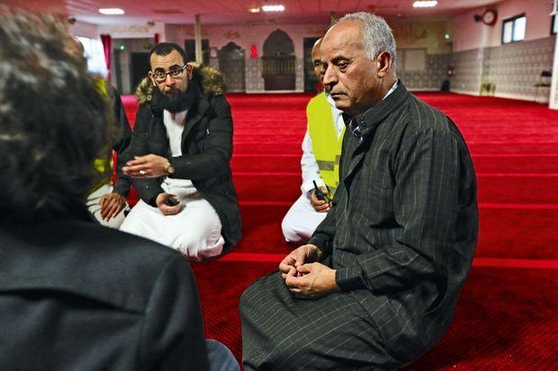 Mimoun El-Khoury et ses assistants dirigent l'association culturelle de la mosquée de Saint-Jean