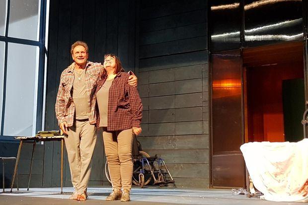 Francis Lombrail et Myriam Boyer sur la scène du théâtre Hébertot.