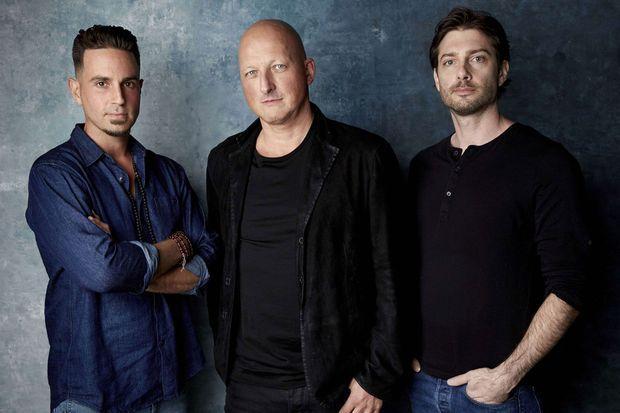 Wade Robson, le réalisateur Dan Reed et James Safechuck.