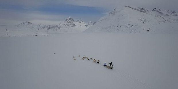 Au milieu des étendues glacées, le traîneau est le mode de déplacement le plus utilisé.
