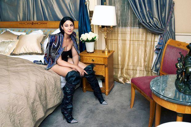 Monica Bellucci dans la suite Belle Etoile de l'hôtel Meurice.