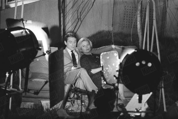 « Dans 'les Scélérats' , Michèle a Robert Hossein pour partenaire et pour metteur en scène. Pour l'aider à surmonter sa peine, Hossein ne lui a parlé que de son métier. » - Paris Match n°560, 2 janvier 1960.