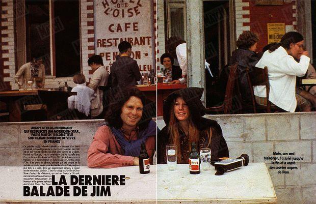 « Ce paisible «baba» chevelu, attablé à la terrasse d'un bistro provincial, est une légende de la pop music. Mais Jim Morrison est las des valeurs morales des Etats-Unis comme de la gloire. Fasciné par l'Europe, il veut y commencer une vie nouvelle avec Pam, sa femme. Ce dimanche 28 juin 1971, Alain Ronay, un ami français, les a accompagnés en promenade à Chantilly, dans l'Oise. Il les prend en photos, ignorant que ces images de la sérénité retrouvée seront pour Jim, les demières. Quelques jours plus tard, le 3 juillet, dans son appartement parisien, le rocker révolté meurt dans son bain. » - Paris Match n°2187, 25 avril 1991