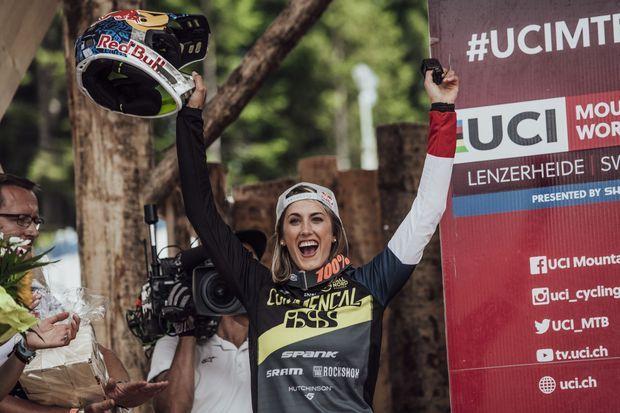 Myriam Nicole célèbre une victoire en Suisse le 8 juillet.