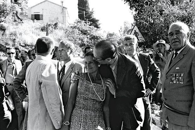 Naissance d'une amitié. Jacques Chirac, Premier ministre, et Simone Veil, ministre de la Santé, ardemment soutenue pendant son combat pour l'avortement