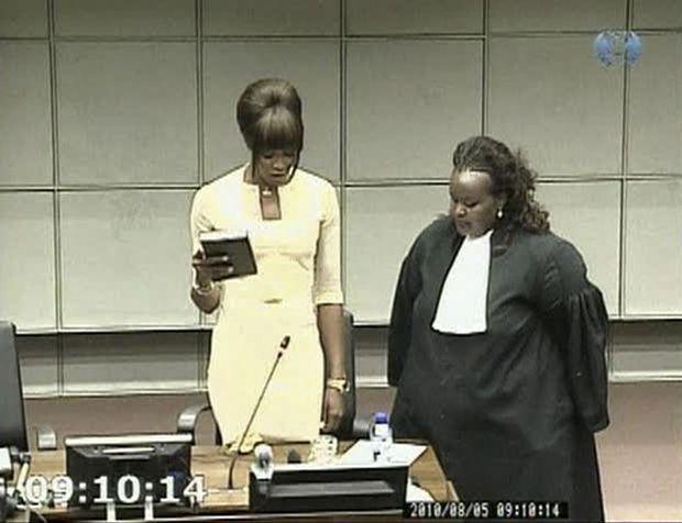 Naomi+magistrat-