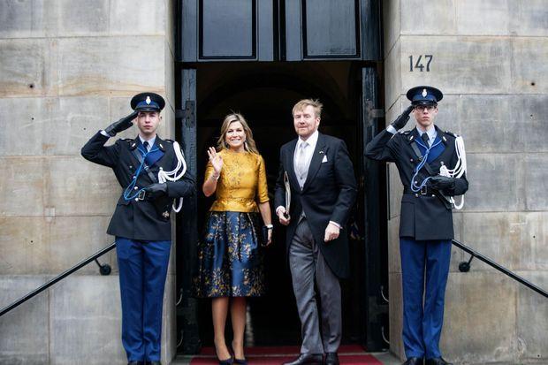 La reine Maxima et le roi Willem-Alexander des Pays-Bas arrivent au Palais royal à Amsterdam pour leur seconde cérémonie de vœux, le 15 janvier 2020