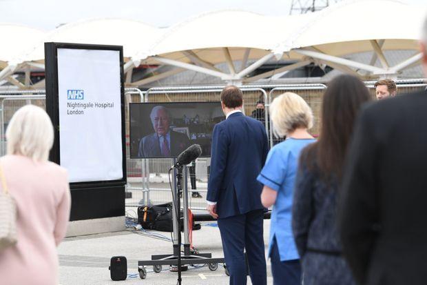 Le prince Charles inaugure par vidéo l'hôpital de campagne de Londres, le 3 avril 2020