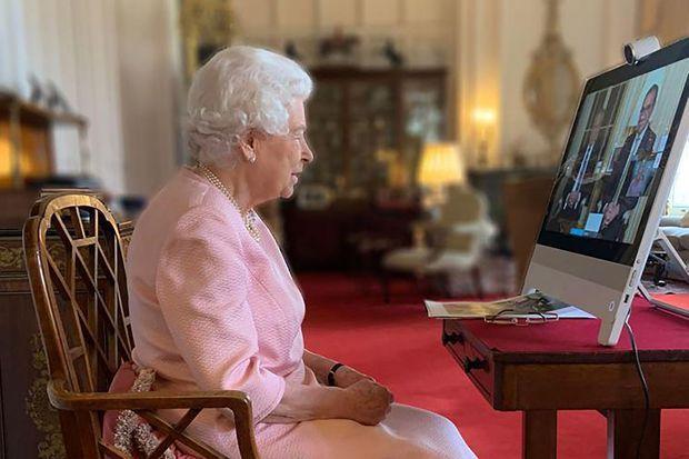 La reine Elizabeth II en visioconférence avec l'Australie, le 24 février 2021