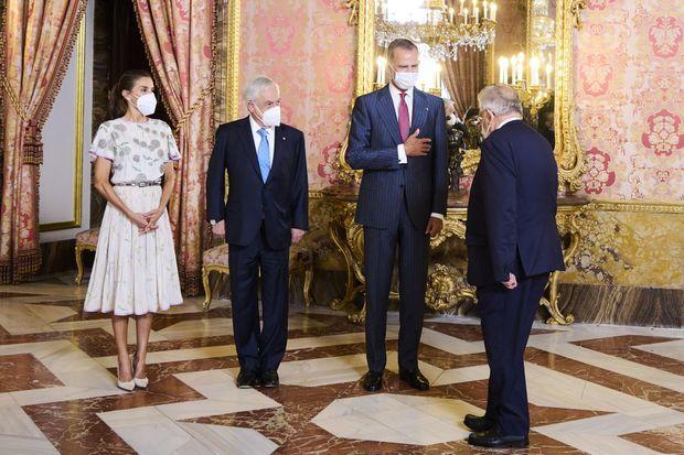 La reine Letizia et le roi Felipe VI d'Espagne avec le président chilien, à Madrid le 7 septembre 2021
