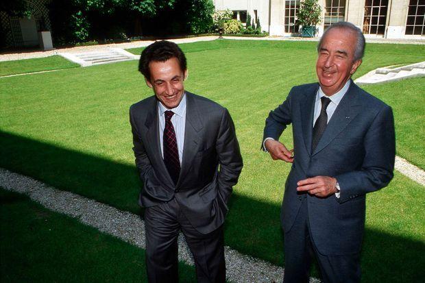 Nicolas Sarkozy et Edouard Balladur à la Maison de la Chimie le 29 mai 1996. L'année précédente, Jacques Chirac est devenu président de la République.