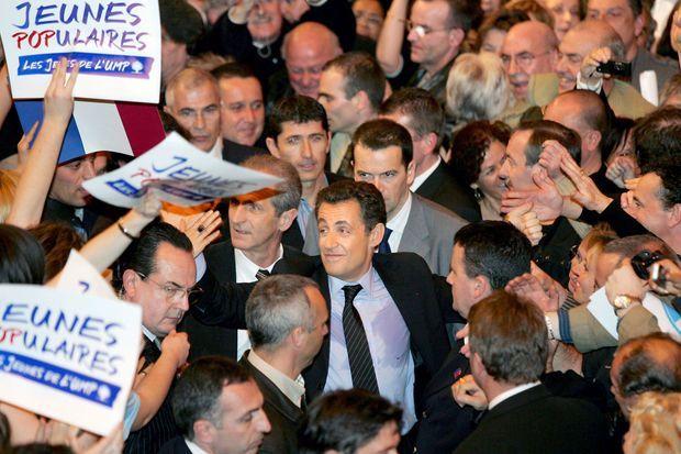 Nicolas Sarkozy en meeting à Toulon, le 7 février 2007. Avant de prononcer son discours, le candidat a douté, selon son récit dans son livre «Passions».