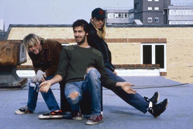 Kurt Cobain, Krist Novoselic et Dave Grohl ensemble pour une photo promotionnelle.