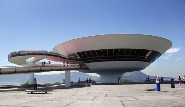 Niteroi Oscar Niemeyer Clarissa Cavalheiro-