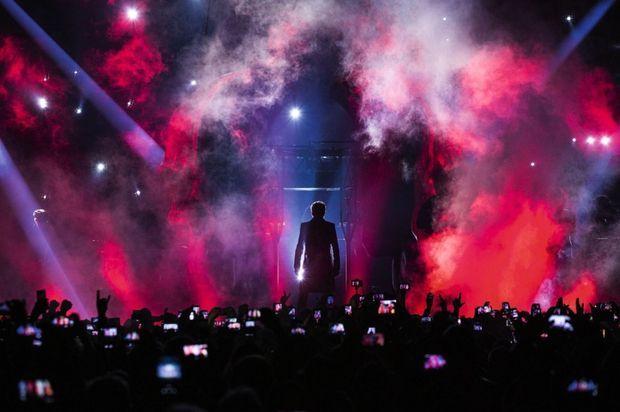 Novembre 2015 AccorHotels Arena. « Dans la salle, il y a toutes les générations, les fans de la première heure et beaucoup de jeunes. Tous sont habités. » Dimitri Coste