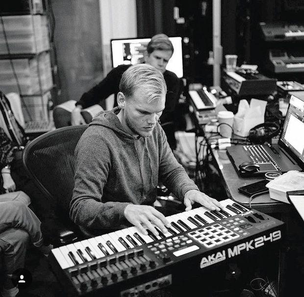 Novembre 2017, en studio. Il préparait un nouvel album pour l'été.