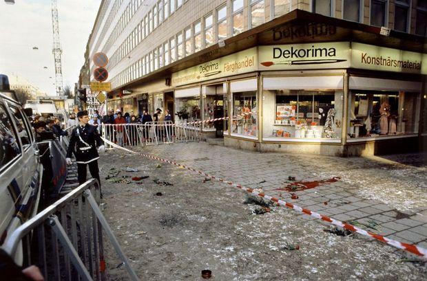 Le lieu de l'assassinat d'Olof Palme, le lendemain du crime.