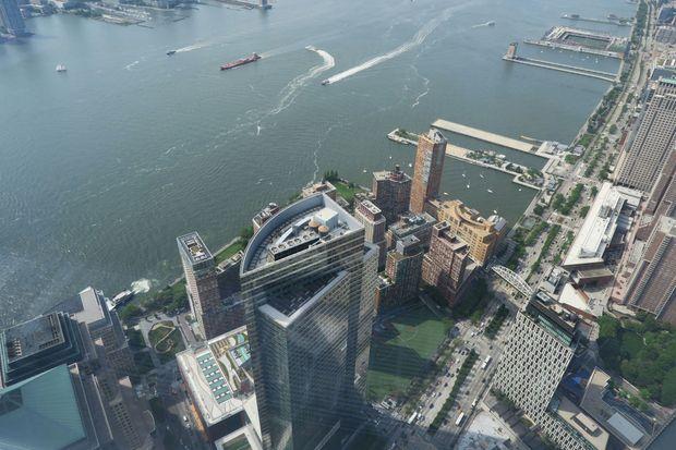 L'Hudson et Manhattan, vus depuis le sommet du One World Trade Center.