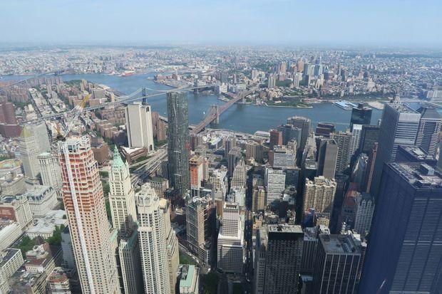 Vue sur le Brooklyn Bridge depuis le One World Trade Center.