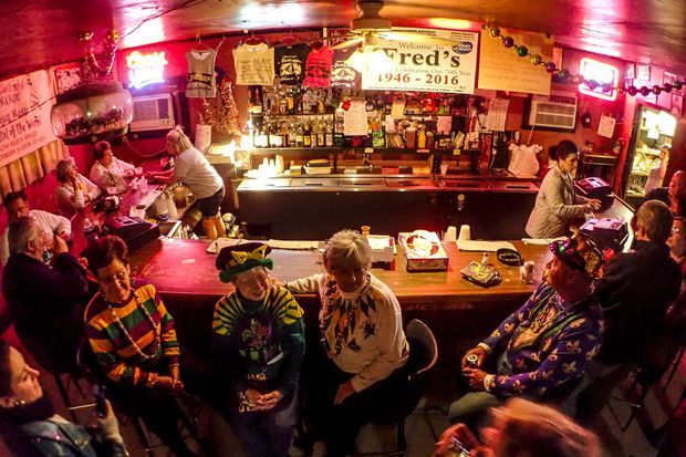 Le Fred's Lounge.