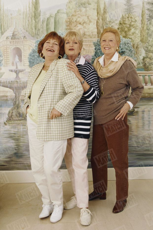 Maria Pacôme avec ses amies Françoise Dorin et Michèle Morgan en mars 1997.