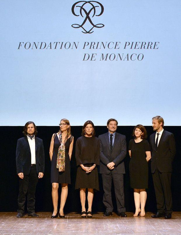 Caroline de Monaco, entourée des lauréats.