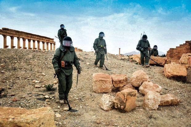 A la fois enjeu de pouvoir et enjeu financier, Daech a occupé Palmyre pendant dix mois et sécurisé son trésor de guerre, que les militaires russes ont dû déminer à la libération de la ville.