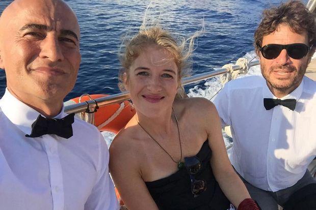 Hubert Blanc Francard, Dyane et Zdar lors d'un mariage de membres des Toilet Papers.
