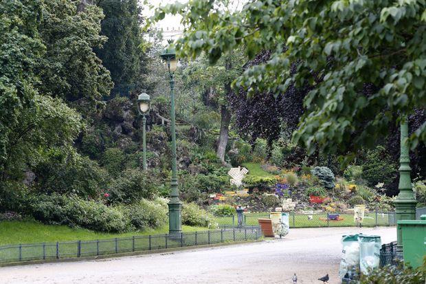 Après que la foudre a fait 11 blessés, le parc Monceau a été évacué.