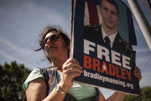 Devant la base militaire de Fort Meade, une trentaine de partisans de Bradley Manning se sont rassemblés mardi, pour l'annonce du verdict.