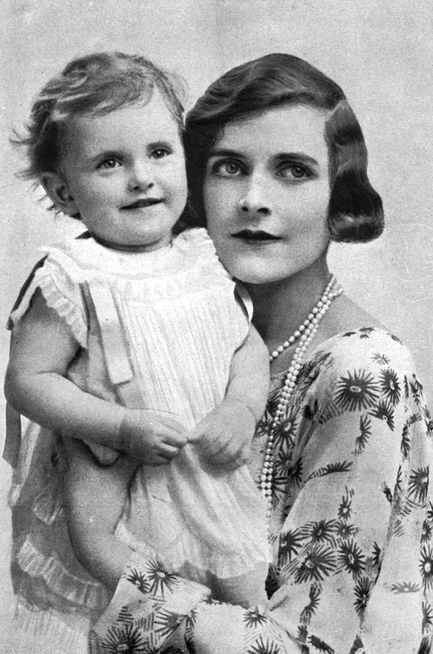Patricia Mountbatten et sa mère Edwina, en 1925